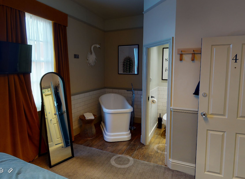 1 bedroom 4 bath complete