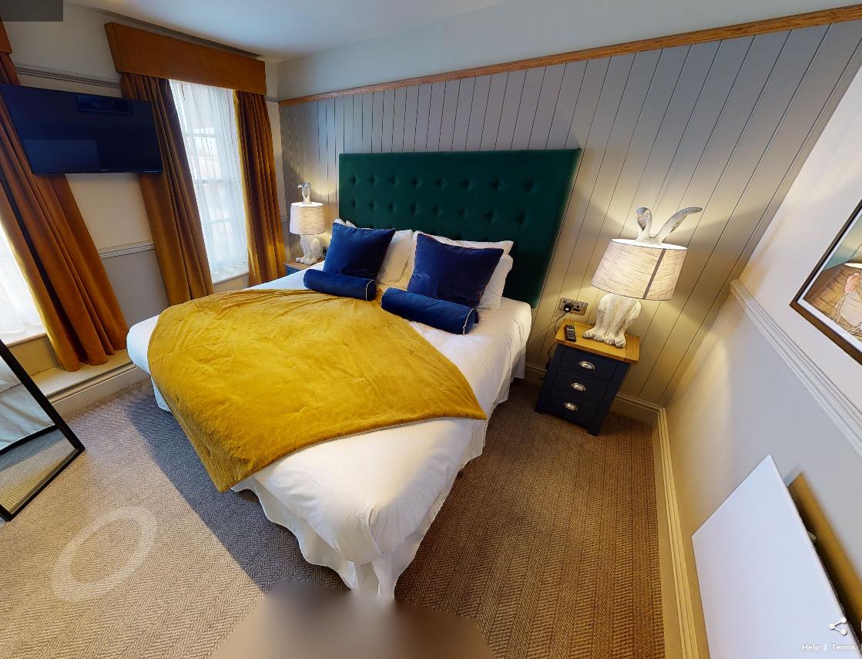 1 bedroom 6 bed complete